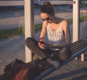 adolescenta_telefon